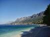 Kamienková pláž Gradac Chorvátsko