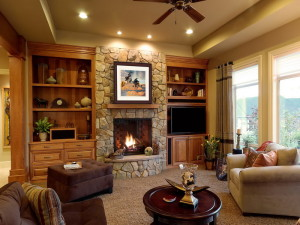 Cottage-Fireplace-Living-Room-Cozy-Home-Design